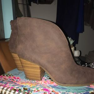 Brown booties / size 7